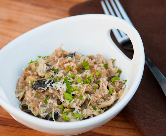 chicken_mushroom_farro_risotto_slow_cooker